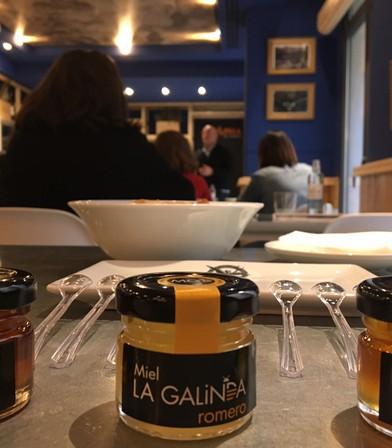 Presentación y cata de miel La Galinda